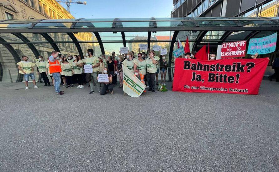 Bahn-Streikende solidarisieren sich mit Gorillas-Lieferant:innen und spenden für Streikkasse!