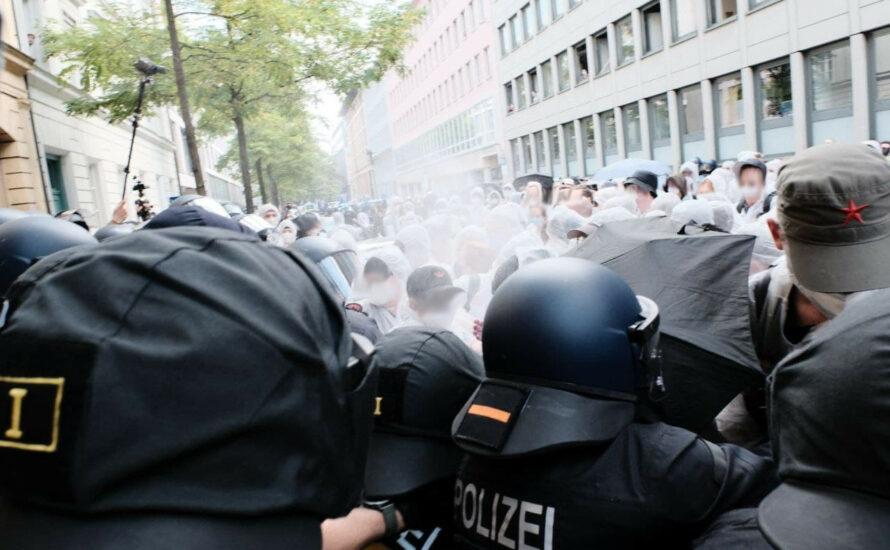 IAA: Grüne lassen Klimademo bei Polizeigewalt im Stich
