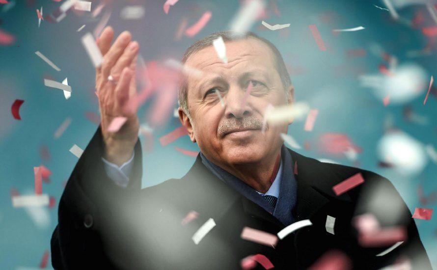 Erdoğan gewinnt das Referendum: Manipulation und Repression im Vordergrund