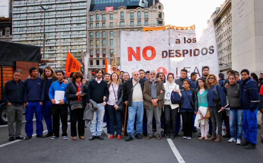 Lear-ArbeiterInnen marschieren zum Arbeitsministerium