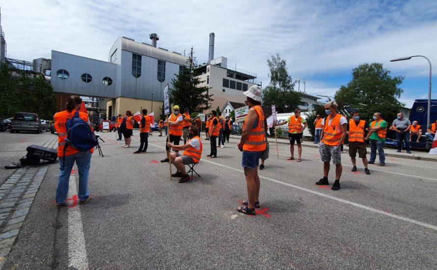 Erneut droht die Schließung: Streik bei Danone in Rosenheim