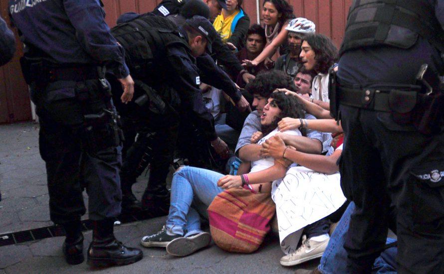 Mexiko: Gewalt und Verhaftungen gegen DemonstrantInnen