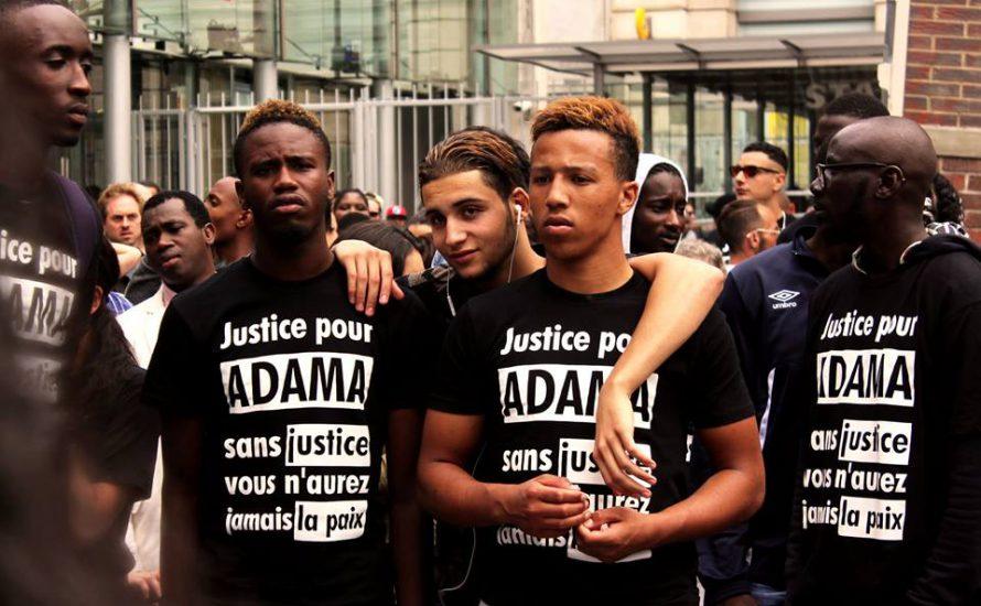 Tausende protestieren für Adama Traoré, ein Opfer rassistischer Polizeigewalt in Frankreich