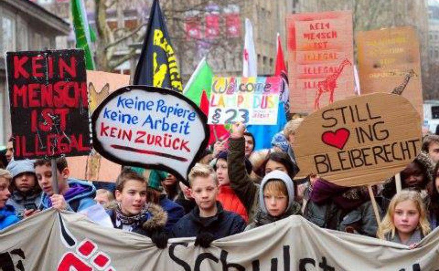 SchülerInnendemo gegen Räumung vom Oranienplatz