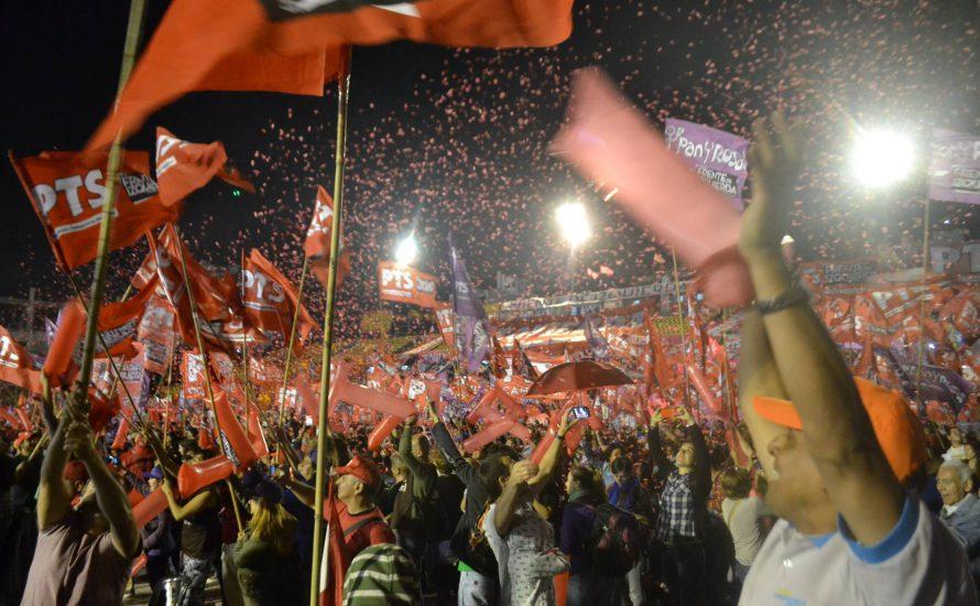 [Fotogalerie] Der Tag, an dem Sozialist*innen ein Fußballstadium füllten