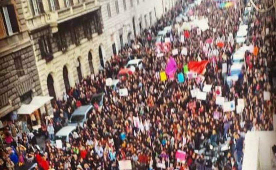 #BirKişiDahaEksilmeyeceğiz: Enternasyonal feminist bir hareketin beklenmedik gücü