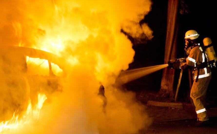 Brennende Autos werden verschwiegen – solange Nazis dahinter stecken