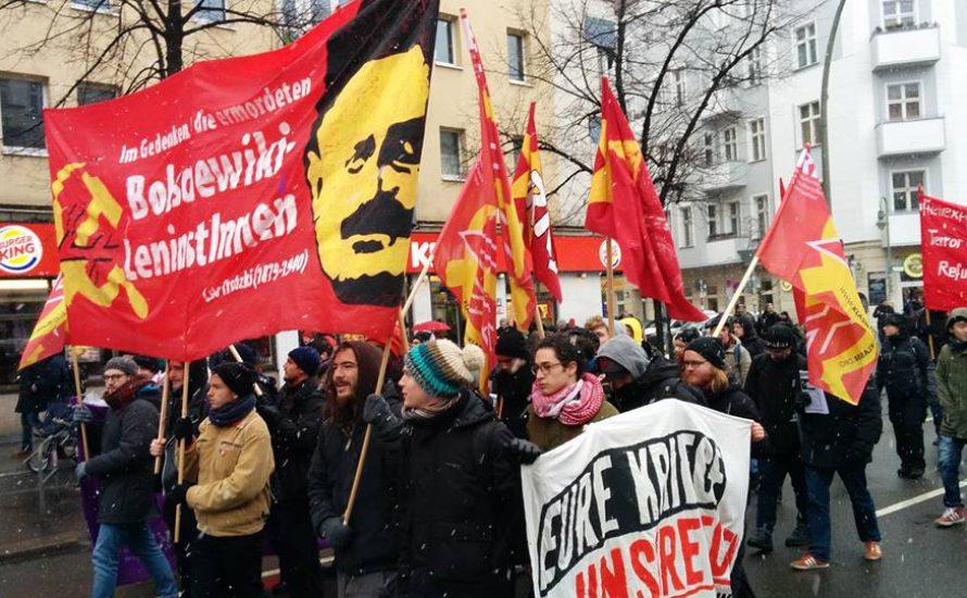 Die Linkspartei ehrt Luxemburg und Liebknecht - mit Fäusten und Pfefferspray