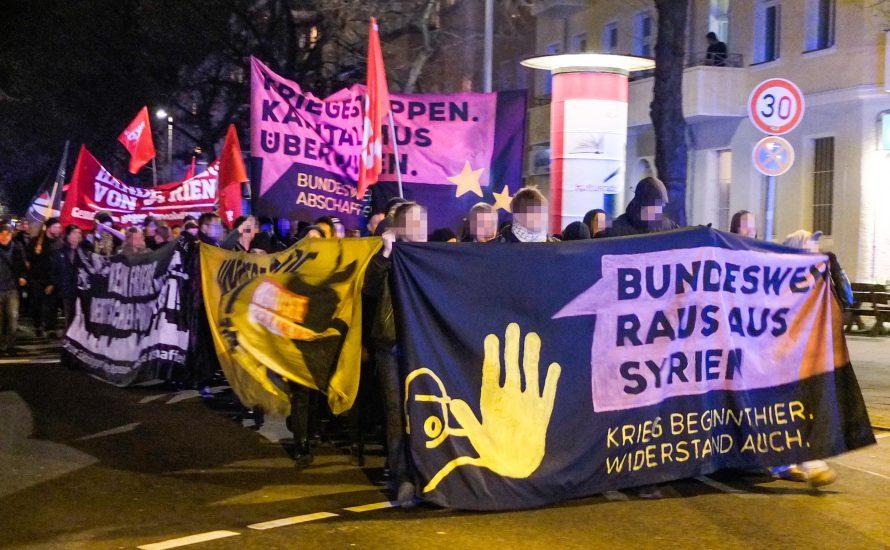 250 Jugendliche demonstrieren gegen Bundeswehreinsatz in Syrien