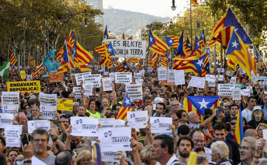 Massenprotest in Katalonien gegen die Zwangsverwaltung