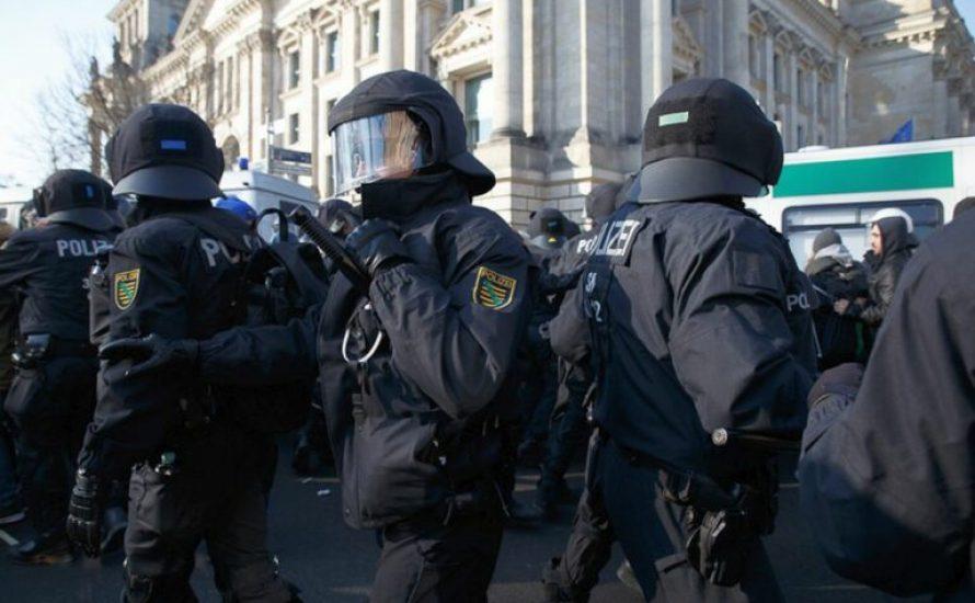 Struktureller Rechtsextremismus bei der Polizei: Seehofer nicht auf dem rechten Auge blind