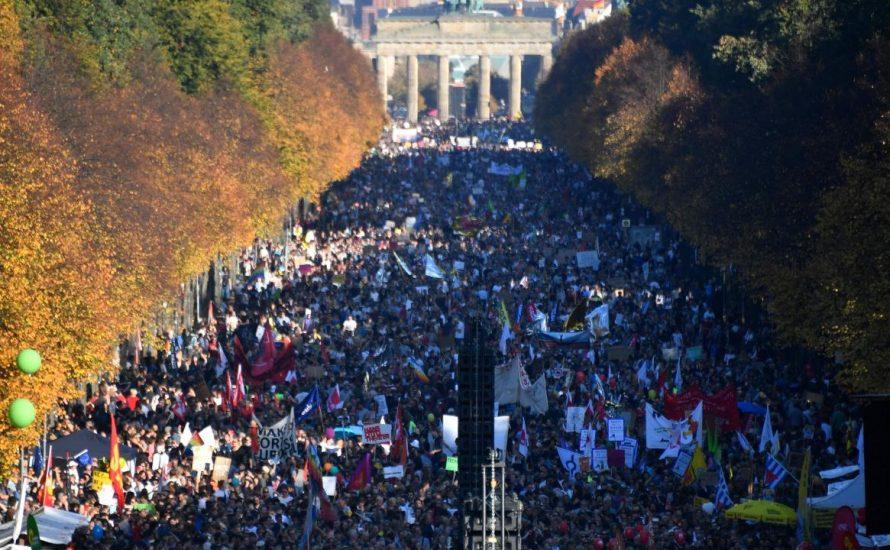 Viertelmillion bei #unteilbar: gestern auf der Straße, morgen in Betrieb und Gewerkschaft!