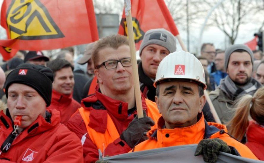 IG Metall: Spektakuläre Streiks paralysieren die Metallbranche
