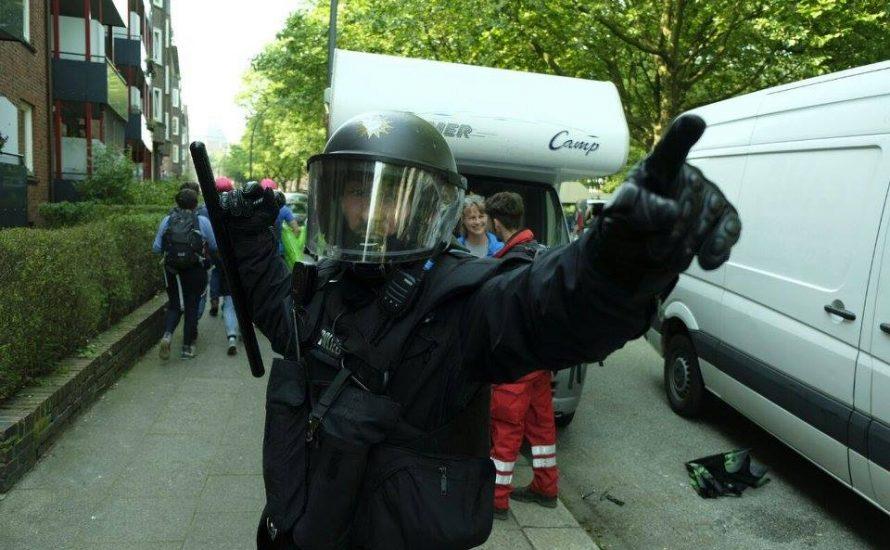 Gewaltexzesse der Hamburger Polizei gehen am Freitag weiter
