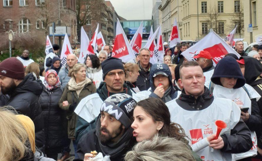 200 CFM-Beschäftigten stellen sich gegen die Aussetzung ihres Streiks