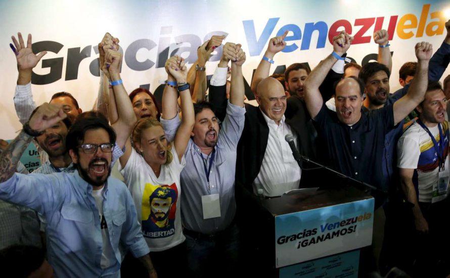 Venezuela: Versagen des Chavismus und Rückkehr der Rechten