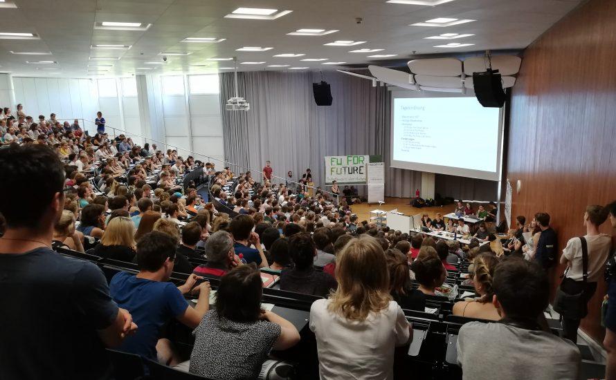 Erneut hunderte Studis bei FFF, diesmal an der FU Berlin - eine neue Studierendenbewegung?