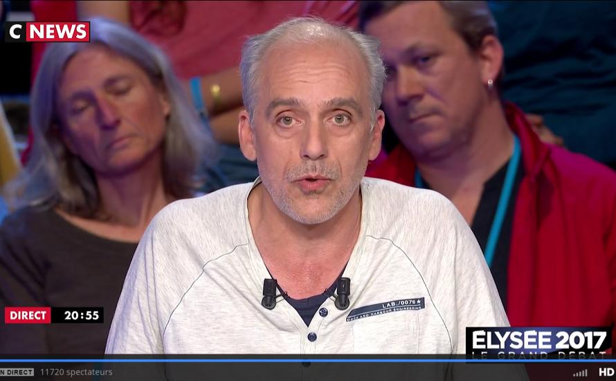 Frankreich: Philippe Poutou attackiert Fillon und Le Pen wegen ihrer Korruptionsaffären