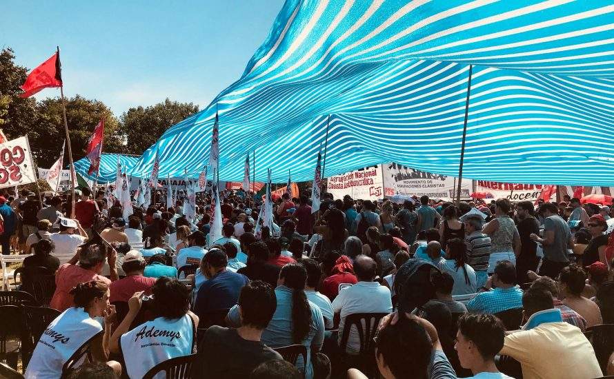 Argentinien: Krankenhaus-Beschäftigte kämpfen gegen Entlassungen und organisieren landesweite Versammlung