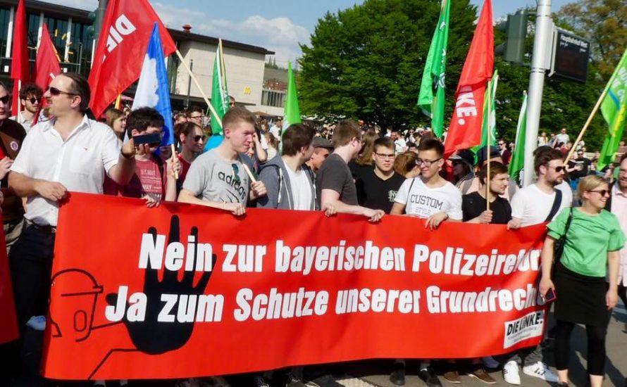 Würzburg: 4.000 Menschen demonstrieren gegen das PAG