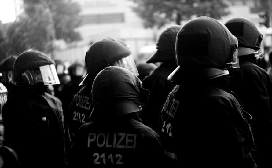 Stuttgart: Die Jugend hat die Bullen satt. Keine Repression gegen die Jugendlichen!