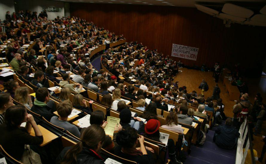 Eine zweite Vollversammlung an der FU: Am 28.4. über die Selbstorganisation der Studierenden diskutieren!