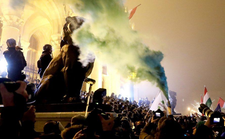 """Ungarns """"Sklavengesetz"""" – mehr Überstunden durch Wirtschaftsboom"""
