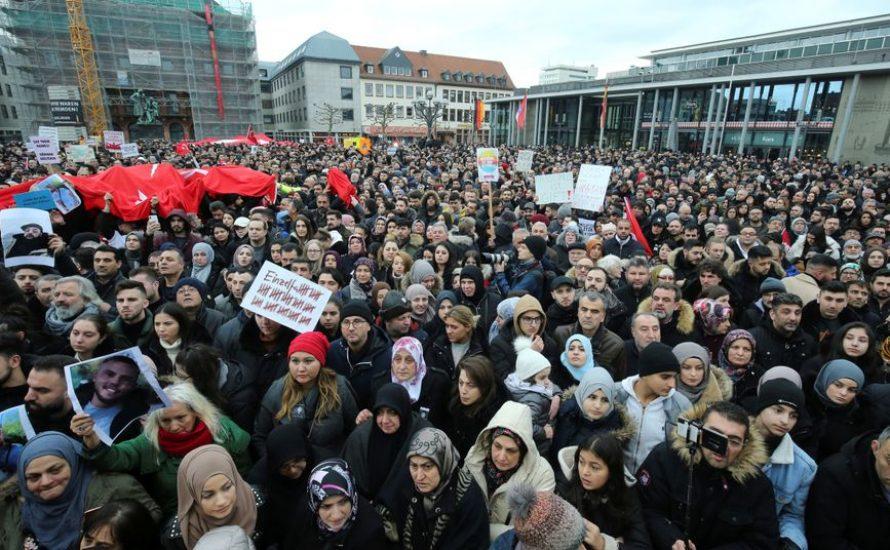 Nach Hanau: Warum wir auf die Straße gehen müssen – und wie