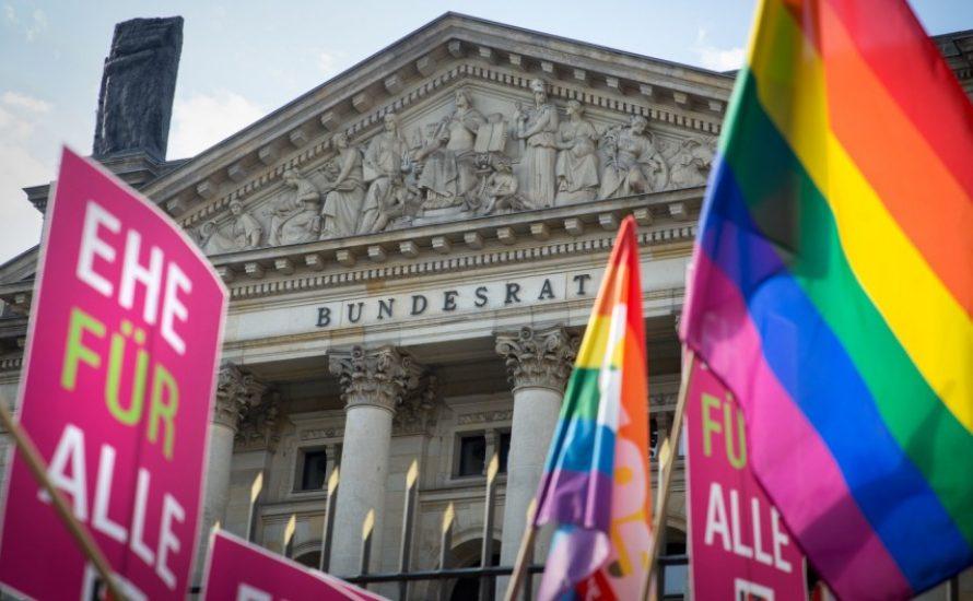 Nach Scheitern in Karlsruhe: Wieso wir selbst für gleiche Rechte kämpfen müssen