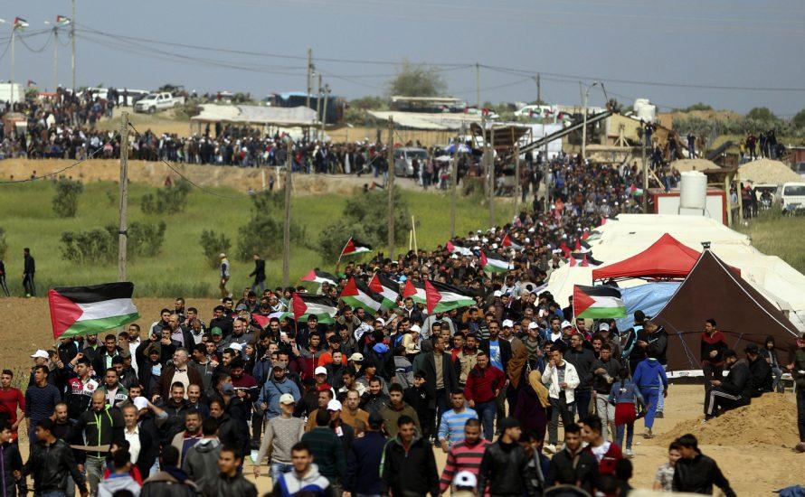 Massaker im Gaza-Streifen: Israelische Scharfschütz*innen töten Demonstrant*innen