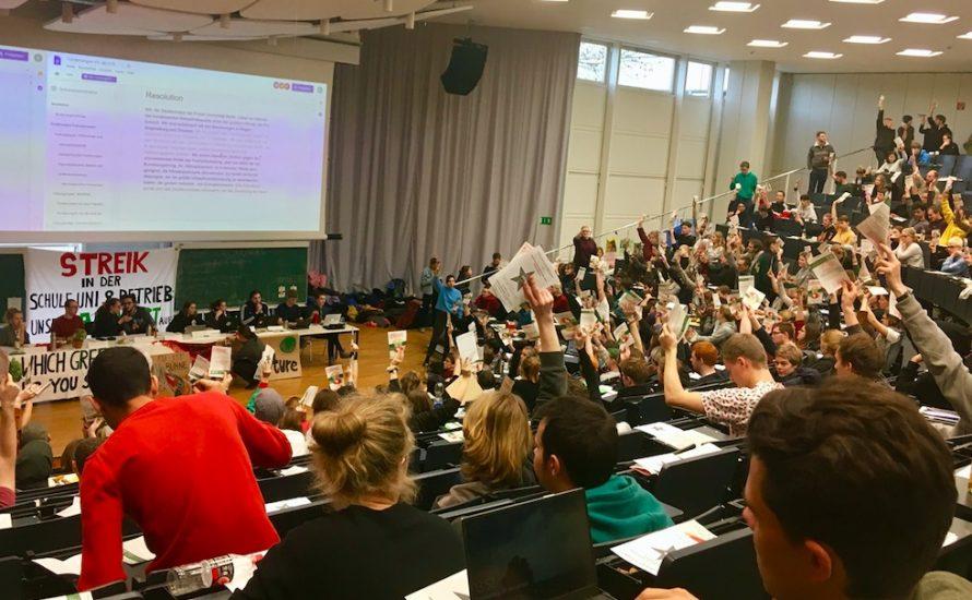 Vollversammlung an der FU: 300 Studierende und Beschäftigte gegen die Krise, für Enteignungen und Mobilisierungen