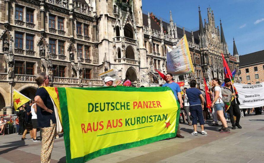 München: 400 demonstrieren trotz Polizeischikane für Afrin [mit  Video]