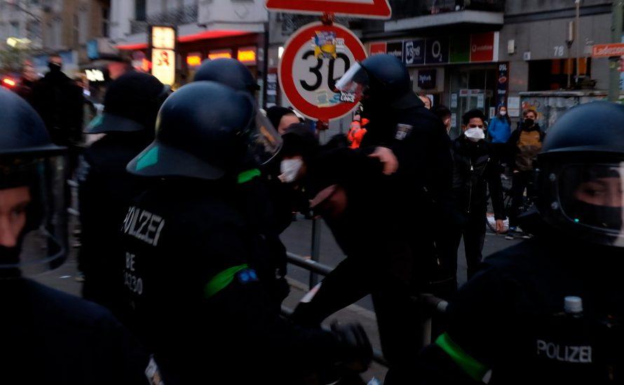 Ist DIE LINKE für oder gegen die Polizeigewalt am 1. Mai?