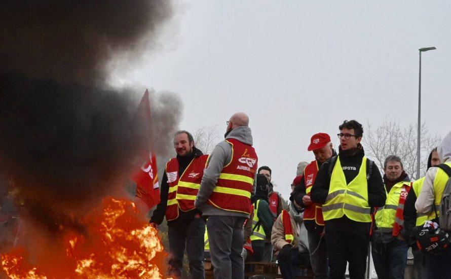 Frankreich: 300.000 Menschen im Gelbwesten-Generalstreik
