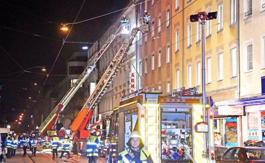 Drei Tote: Demo in München nach Brand in migrantischem Arbeiter*innenwohnheim