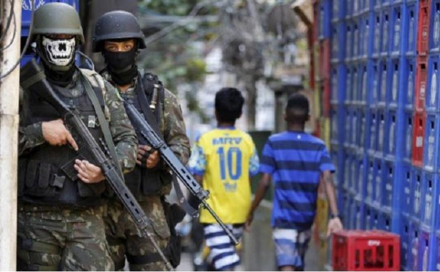 Karneval des Widerstands: Militäreinsatz in Rio, Rückzug der Rentenreform – die Regierung taumelt