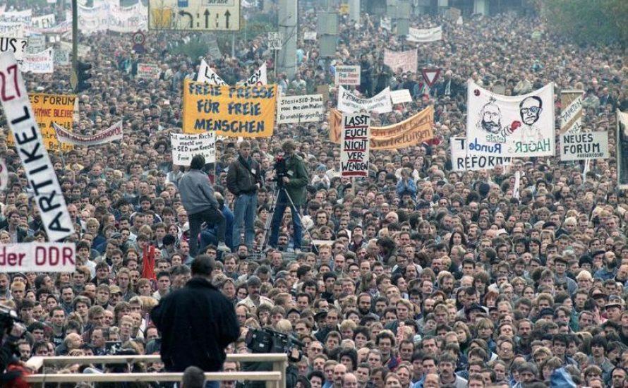 30 Jahre Mauerfall: Warum brauchen wir heute umso mehr den Sozialismus?