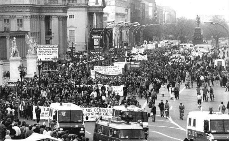 Die Linke zwischen Wiedervereinigung und Annexion