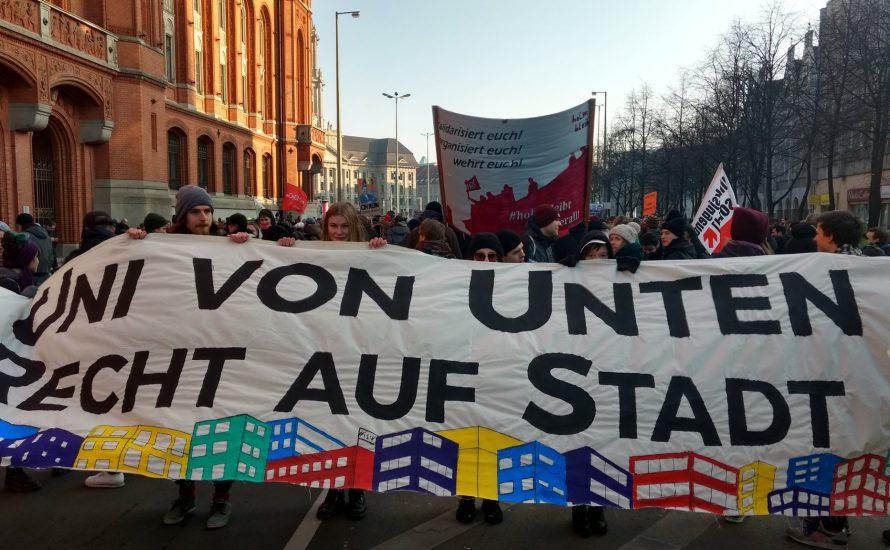 1500 protestieren gegen hohe Mieten und die Entlassung Andrej Holms