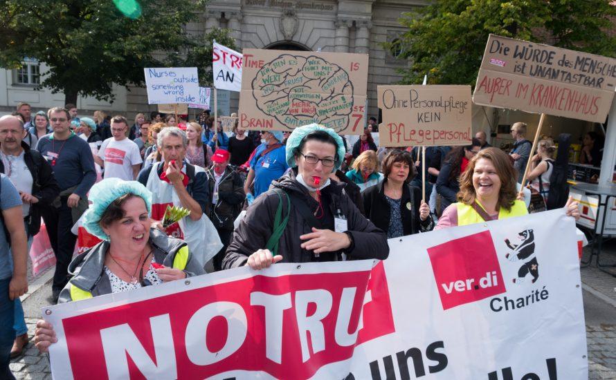 Berlin: Über 400 Teilnehmer:innen vernetzen sich mit der Krankenhausbewegung