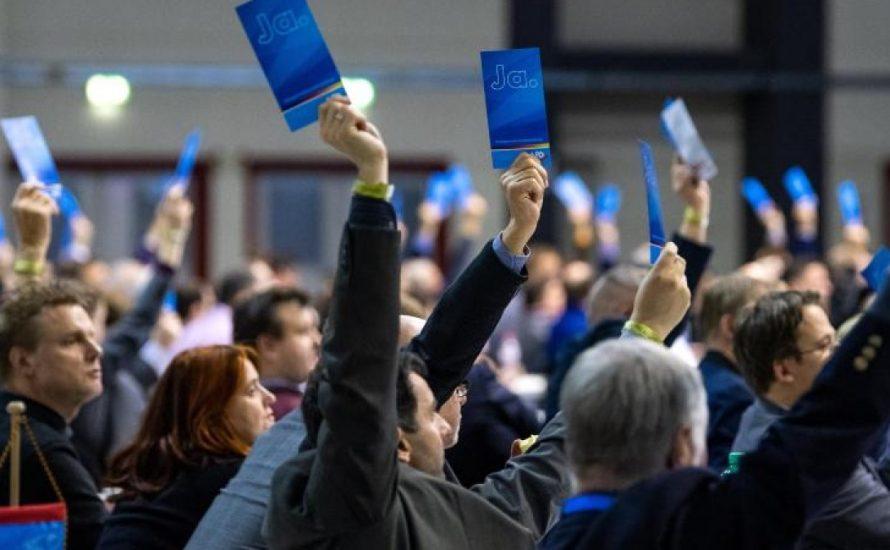 AfD streitet in Riesa: Wie faschistisch soll die Partei werden?
