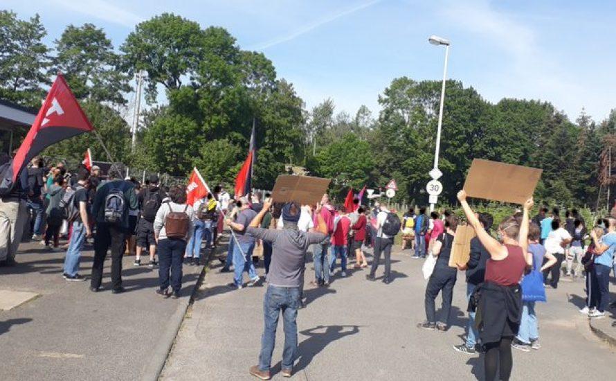Streikdemo rumänischer Erntehelfer*innen in Bornheim gegen Lohnraub