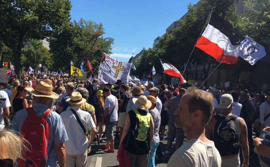 20.000 bei verschwörungstheoretischer Demonstration in Berlin