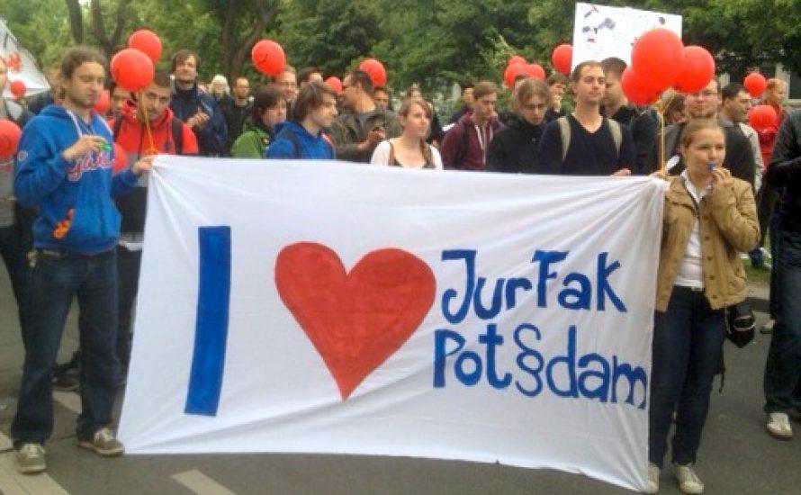 Uni Potsdam: Solidarität statt Schließung!
