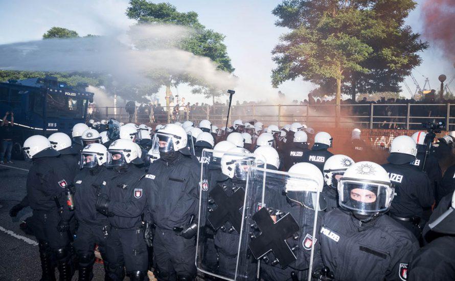 Das Märchen von 500 verletzten Cops