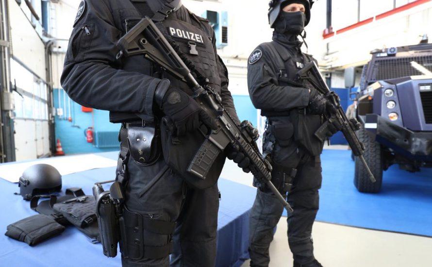 G20: SPD-Innensenator droht Demonstrant*innen mit Schusswaffengebrauch