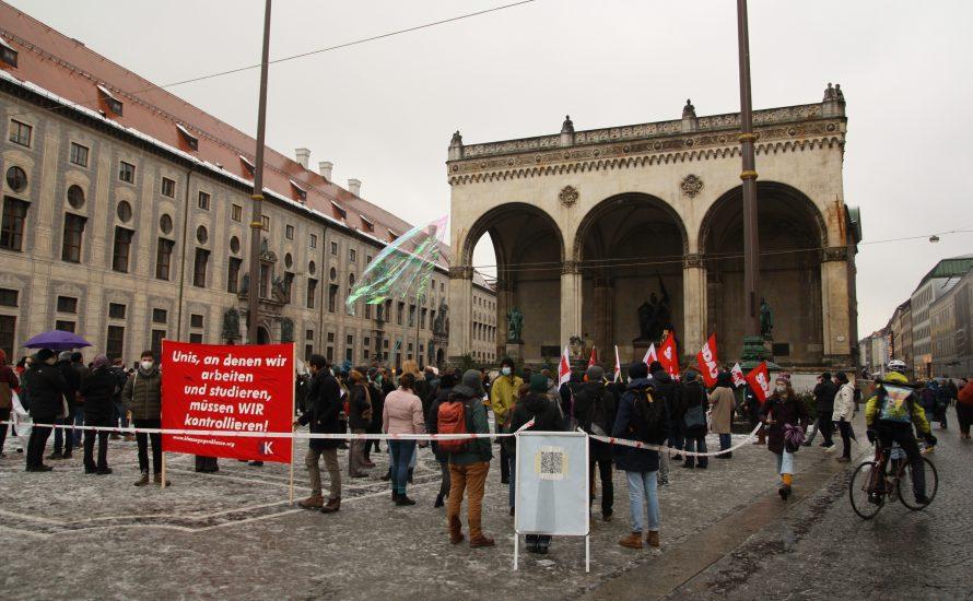 Kundgebung in München: Für freie Bildung – gegen Hochschulreform
