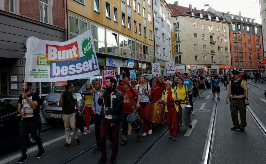 München: Bis zu 1.000 Menschen auf der Straße gegen Homo-, Inter- und Transphobie [mit Videos und Bildern]
