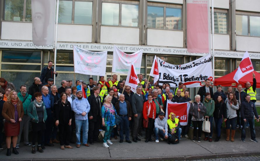 Bernd Riexinger beim Streik der VSG