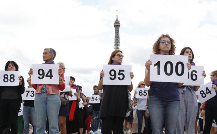 Nach der Kundgebung im Trocadéro: der 101. Femizid.